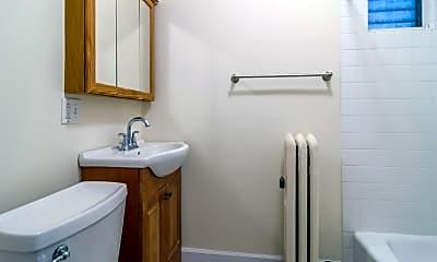 Bathroom, 1104 Chicago Ave 6, 2