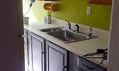 Kitchen, 85 Park Ave, 2