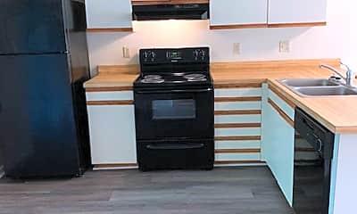 Kitchen, 522 S Kerr Ave, 2