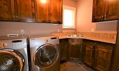 Kitchen, 4134 Eastpoint Dr, 2