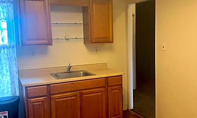 Kitchen, 543 N 7th St, 1