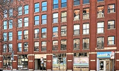 Building, 225 W Huron St 404, 2