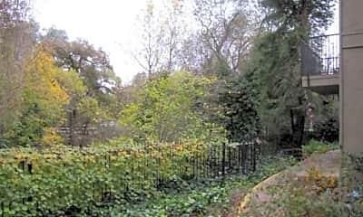 Madison Oaks, 2