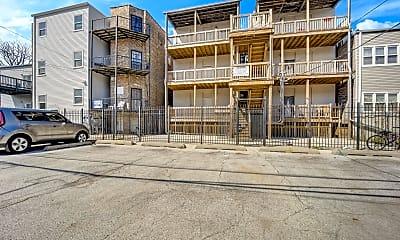 Building, 3129 W Augusta Blvd 3R, 2