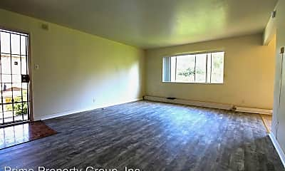 Living Room, 3044 Capp St, 2