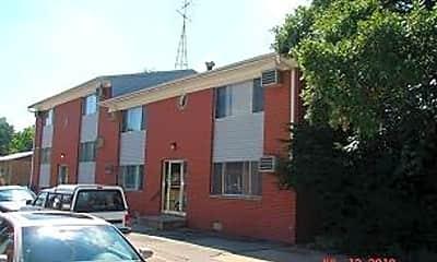Building, 642 S Dodge St, 1