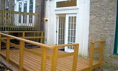 Patio / Deck, 2144 St James Ave 2, 2
