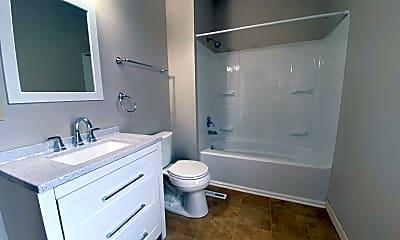 Bathroom, 319 S 8th St, 2