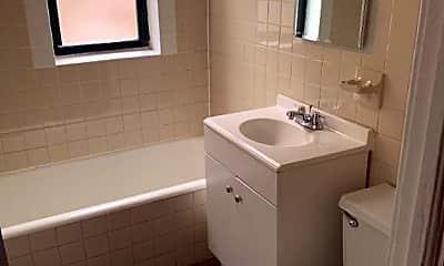 Bathroom, 1825 E 72nd St, 2