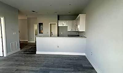Living Room, 319 Nicholas Pkwy W, 0