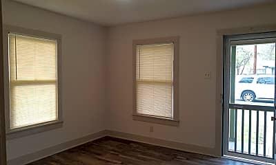 Bedroom, 322 E Thompson, 1