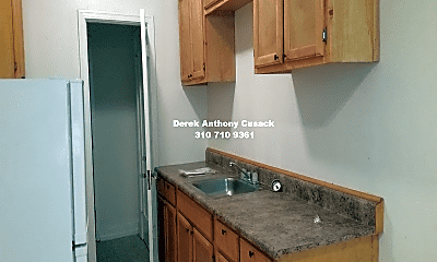 Kitchen, 630 S Kenmore Ave, 2