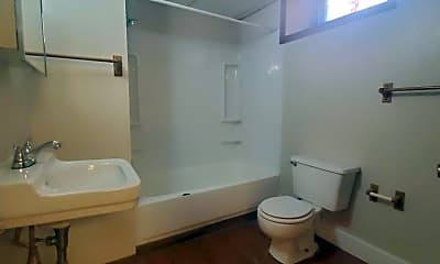 Bathroom, 603 Stephens Ave, 1