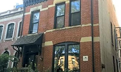 Building, 2052 N Dayton St, 2