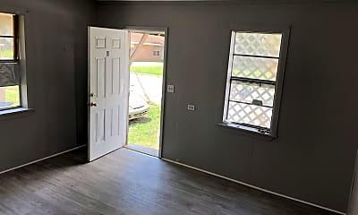 Living Room, 2019 Jackson St, 1