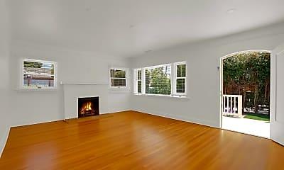 Living Room, 925 E Yanonali St, 1