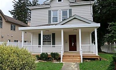 Building, 31 Oak Terrace, 1
