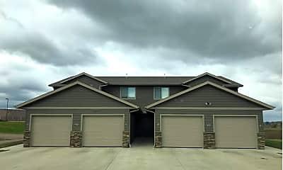 Building, 412 N Sioux Blvd, 2
