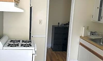 Bathroom, 24 Concord Ave, 2