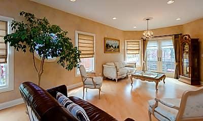 Living Room, 6923 N Kenton Ave, 1