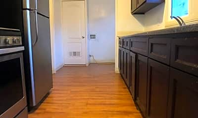 Kitchen, 1655 1/2 W 37th St, 2
