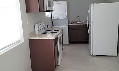 Kitchen, 1114 Cedar Ave S B, 1