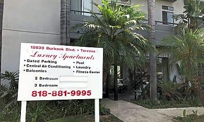 Tarzana Apartments, 1