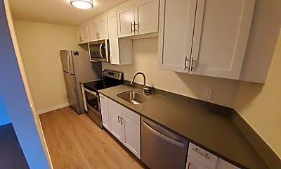 Kitchen, 2701 S Walden St, 1
