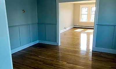 Living Room, 860 Fellsway, 2