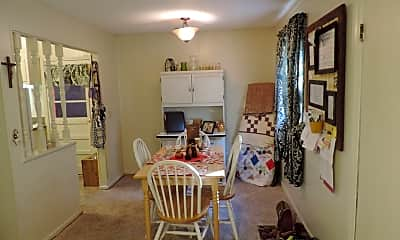 Living Room, 422 E Mill St, 1