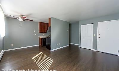 Living Room, 2101 21st Ave S, 1