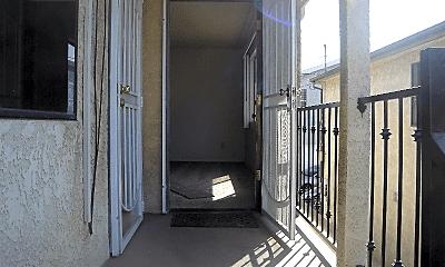 Patio / Deck, 621 W 20th St, 1