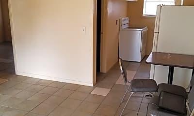 Bathroom, 427 SE 17th St, 2