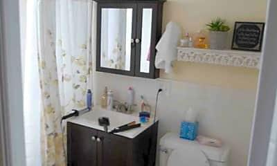 Bathroom, 2012 N Orleans St, 2