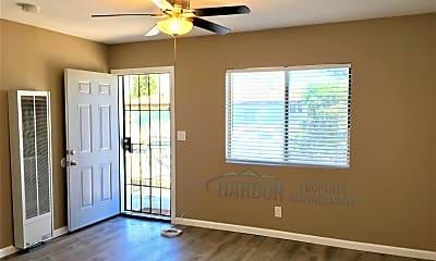 Bedroom, 545 W MacArthur Ave, 1