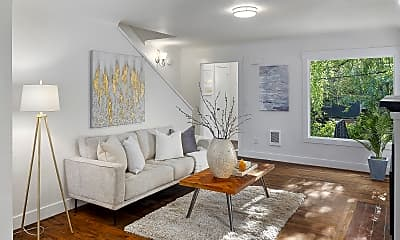 Living Room, 532 12th Ave E, 1