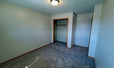 Bedroom, 626 N Sycamore Ave, 2