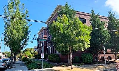Emerson Apartments, 2