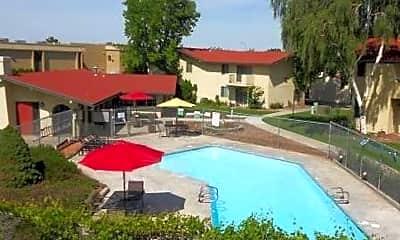 Pool, 507 N Arthur St, 1