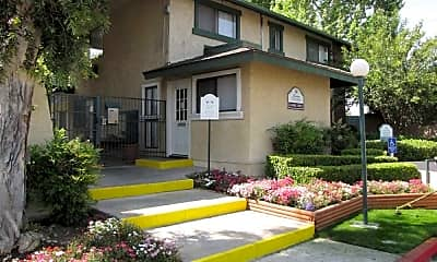 Sierra Gardens, 0