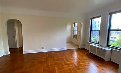 Living Room, 80 Winthrop St E4, 0