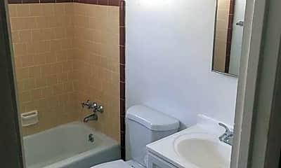 Bathroom, 1481 6th Ave, 2
