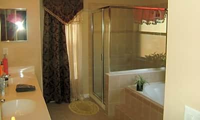 Bathroom, 974 SW California Blvd, 2