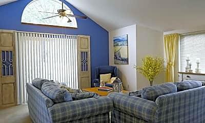 Living Room, Hazeltine Shores, 0