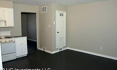 Living Room, 532 Pemberton St, 1