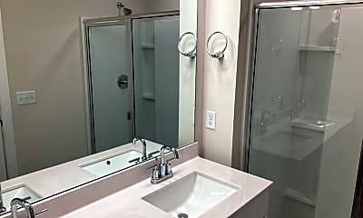 Bathroom, 808 Arrington Way, 2