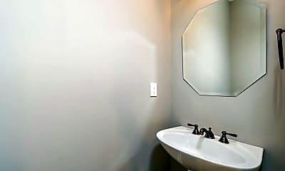 Bathroom, 9004 Woodland Trail, 1