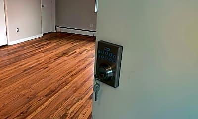 Living Room, 2543 Vera Ave, 1