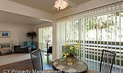 Living Room, 2780 Pillsbury Rd, 1