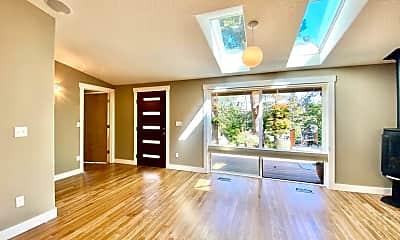 Living Room, 3710 Mohawk Way, 1